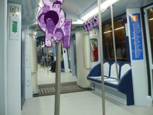 Colgador 1000 Motivos en Metro de Madrid